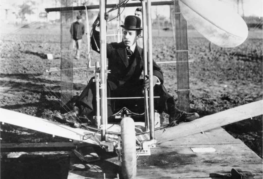Alberto Santos Dumont piloting his airplane